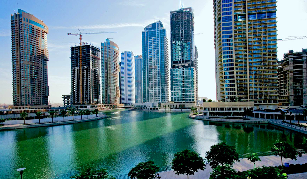 lake in jlt dubai